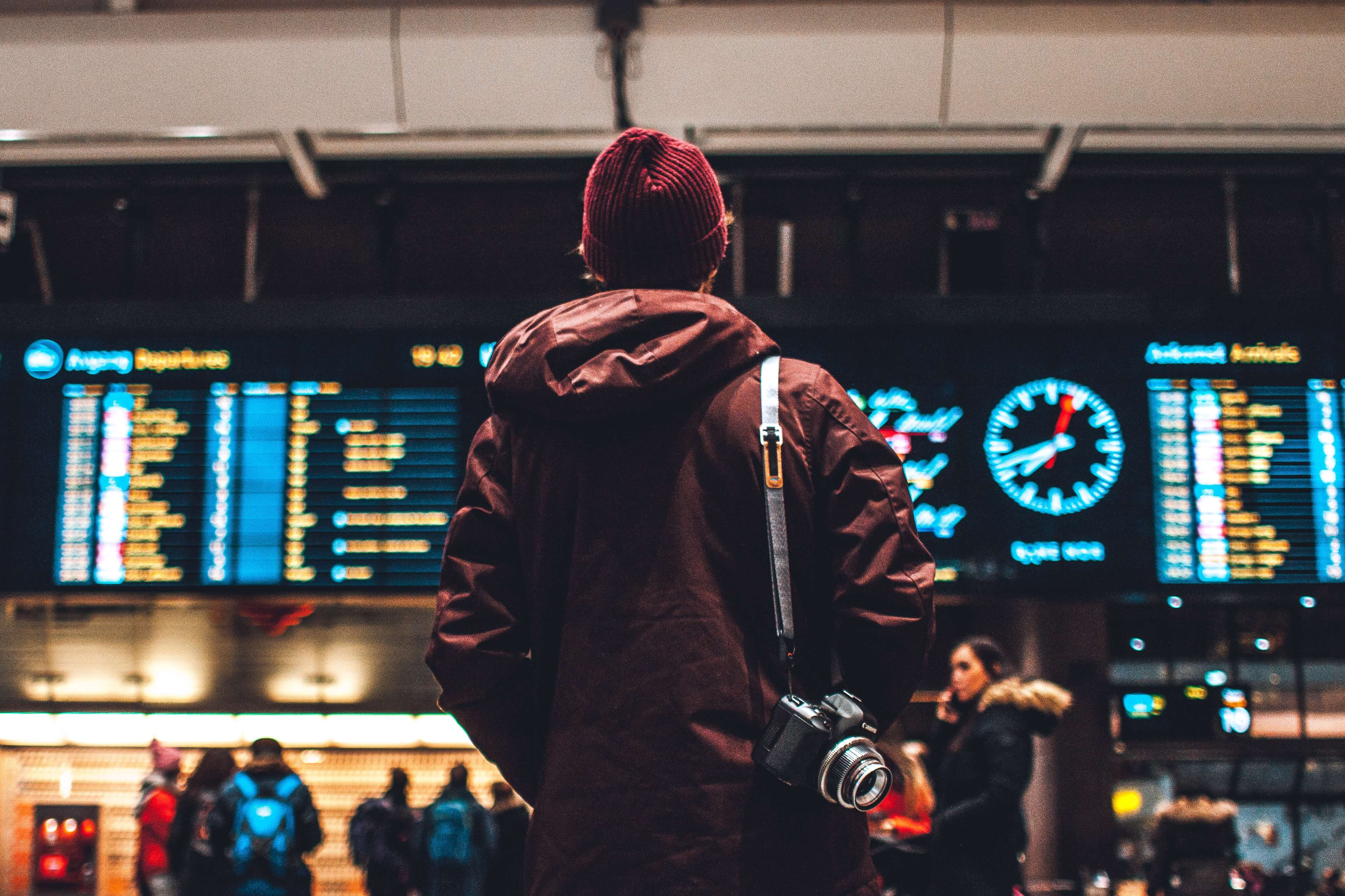 If you are new to traveling, knowing how to maximize your airline miles can be confusing. Which airlines give you the best travel perks? Click the image to see how you can maximize your airline miles and travel perks like a pro! #airlinemiles #travelhacks #howtogetairlinemiles #cheapflights #howtouseairlinemiles