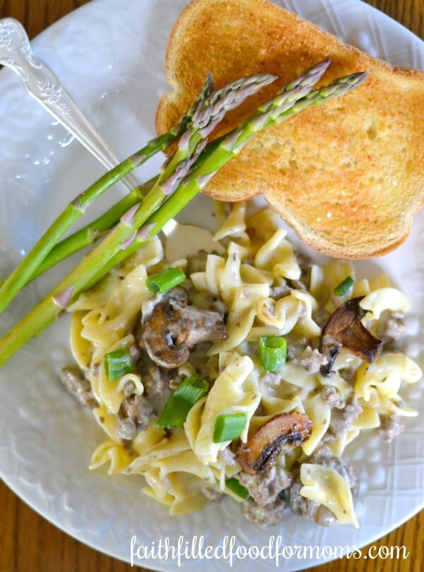 Easy Ground Beef Stroganoff Skillet Dinner Recipe